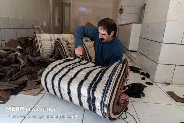 تولید و ساخت پالان کاری سخت می باشد که با توجه به قطر بالای پالان ها نیاز به نیروی بدنی زیادی دارد.