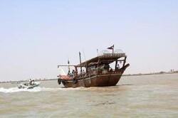 توقف ۲ فروند شناور باری قاچاق/ دستگیری ۱۰ قاچاقچی