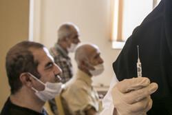 ۲۵۱ سالمند استان سمنان واکسن کرونا دریافت میکنند