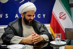 حجتالاسلام بیآزار تهرانی در بیمارستان بستری شد