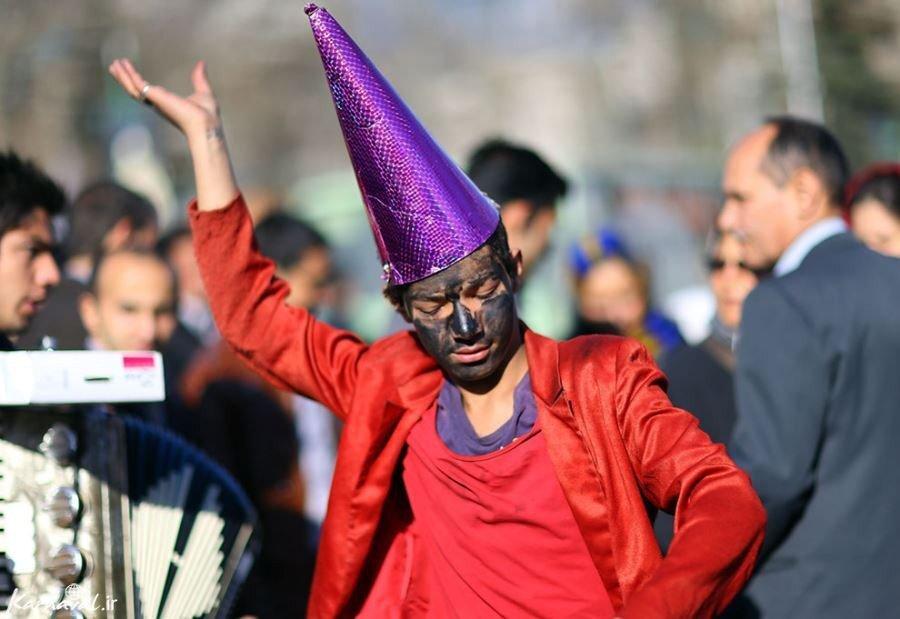 از پایکوبی حاجی فیروز در شلوغیهای شهر تا نحسی کرونا