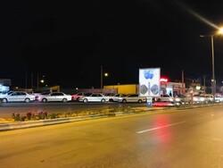 شلوغی در پمپ بنزین فردوس بعد از وقوع زلزله