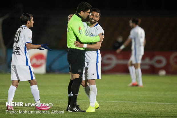 Esteghlal gains 2-1 victory over Paykan