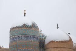 İran'da kışın son günlerinde kar yağışı