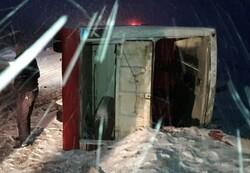 واژگونی مینیبوس با ۶ مصدوم در جاده اهر- مشگینشهر