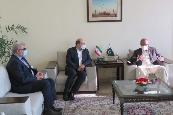 Iran, Pakistan discuss expansion of economic relations