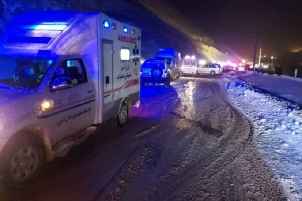 VIDEO: Avalanche hits bus on Karaj-Chalus road