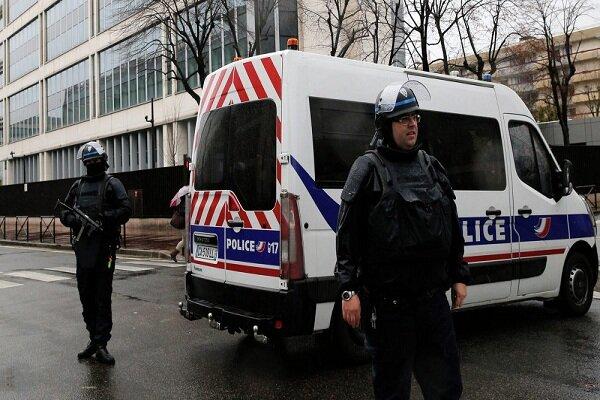 ۳ نیروی پلیس فرانسه زخمی شدند