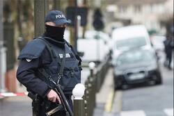 فرنسا.. شرطي يقتل شخصاً وسط العاصمة الباريسية