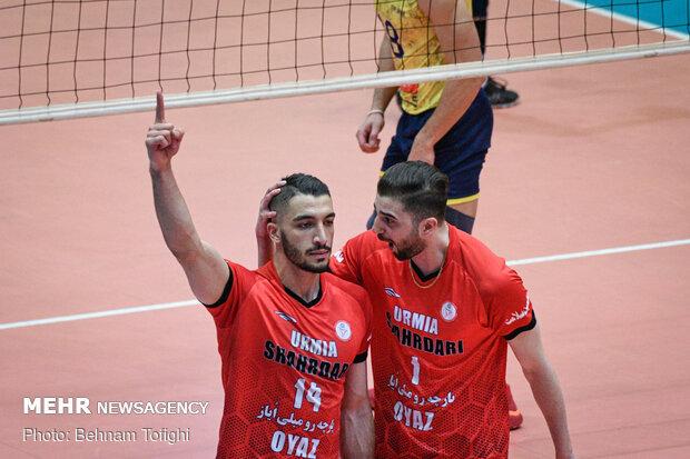 دیدار تیم های والیبال شهرداری ارومیه و فولاد سیرجان