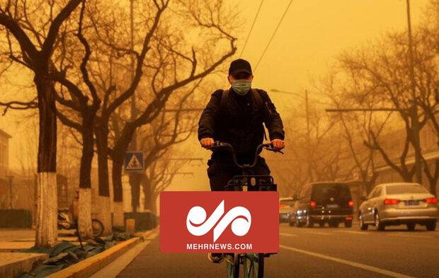 VIDEO: Biggest sandstorm in decade turns Beijing skies yellow