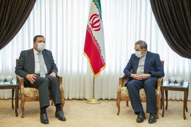Leader sends greetings for Bashar al-Asad