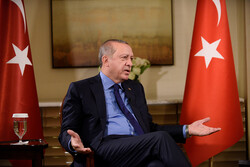 Ekonomik endişeler artarken Erdoğan anketlerde tarihinin en düşük noktasına eridi