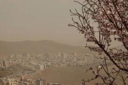 تندباد لحظهای و گردوخاک شرق، شمال و مرکز اصفهان را در بر میگیرد