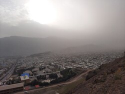 غبار پدیده غالب اصفهان/ دما کاهش مییابد