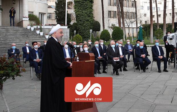 روحانی: تاخیر در برداشتن تحریم، خیانت است