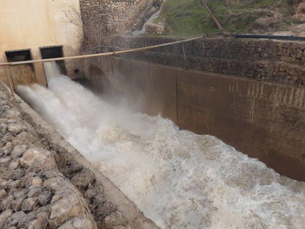 رهاسازی آب سد وشمگیر/ مردم به رودخانه ها نزدیک نشوند