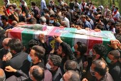 پیکر شهید گمنام ۱۷ ساله در اهواز تشییع شد