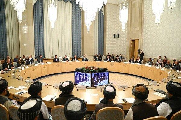 مذاکرات برای پایان دادن به ۴۰ سال جنگ در افغانستان ادامه یابد