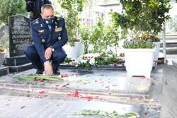 فرمانده نیروی هوایی ارتش با آرمانهای شهدا تجدید بیعت کرد
