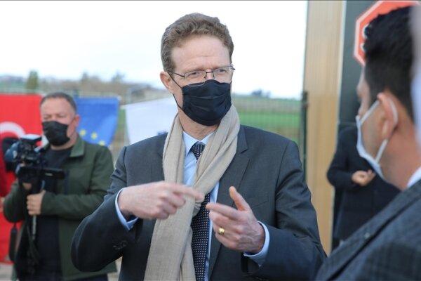اتحادیه اروپا دولت سوریه را به عدم تلاش برای حل بحران متهم کرد!