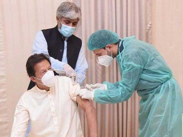 إصابة عمران خان بكورونا بعد يومين من تلقيه لقاح مضاد للفيروس