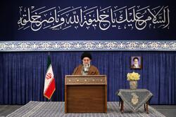 قائد الثورة الاسلامية يلقي خطابا عصر اليوم