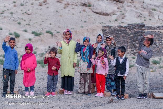 پویش لبخند مهربانی در روزهای آخرین سال -  شهرستان نهبندان خراسان جنوبی