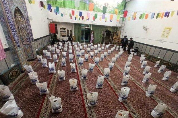 اهدای ۷۰۰ بسته معیشتی اعیاد شعبانیه و سال نو به نیازمندان در مشهد