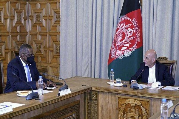 الرئيس الافغاني يستقبل وزير دفاع اميركا في كابل