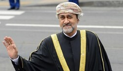 رسالة تهنئة سلطان عمان للرئيس روحاني