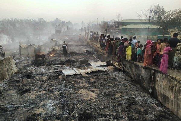 حریق گسترده در اردوگاه مسلمانان روهینگیا با ۵۶۰ زخمی و ۴۰۰ مفقود