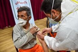 آغاز واکسیناسیون کرونا برای ۵۰۰ نفر از کارکنان شهرداری اراک