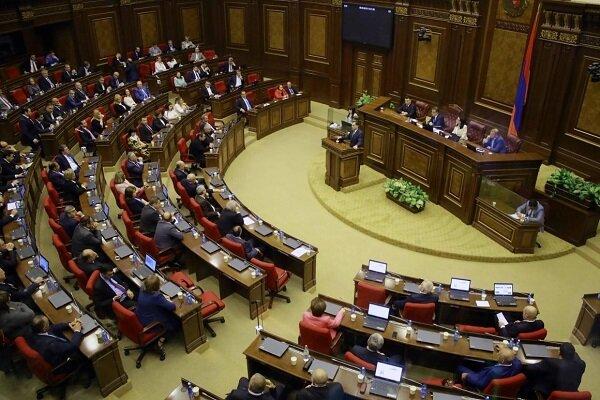 حکومت نظامی در ارمنستان لغو شد/ امکان برگزاری انتخابات زودهنگام