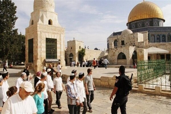 Zionist forces raid Al-Aqsa Mosque in occupied lands