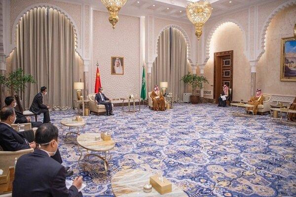 وزیر خارجه چین و ولیعهد سعودی دیدار کردند