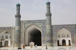 مرمت کاشی کاری مسجد جامع هرات به دست هنرمندان افغانستانی