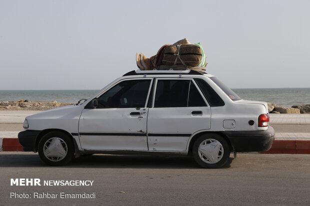 برپایی چادر مسافران در سواحل بندرعباس