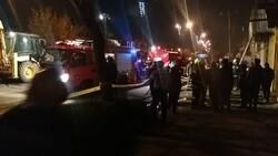 چایخانه خیابان کاوه آتش گرفت/سقوط ۲کارگر ساختمانی در چاهک آسانسور
