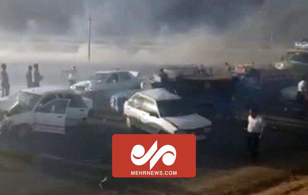 تصادف زنجیرهای در جاده شیراز _ اصفهان