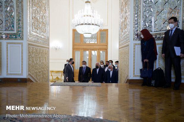 Iranian, Chinese FMs meeting