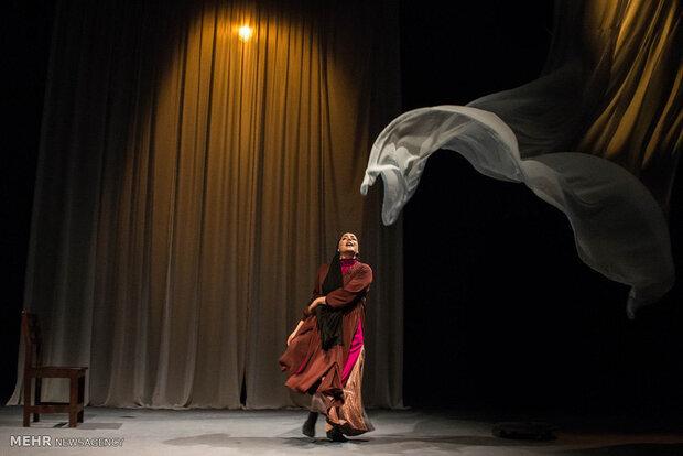 ریههای تئاتر همچنان درگیر کرونا است/ روزهای سخت هنرمندان گیلانی
