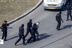پلیس بلاروس بیش از ۱۰۰ نفر را بازداشت کرد