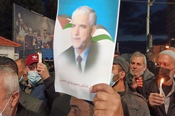 """وقفة تضامنية بغزة مع """"الممثل السابق لحركة حماس"""" المعتقل بالسعودية"""