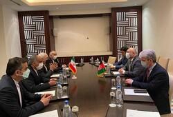 Zarif, Tacikistan'da Afgan mevkidaşı ile bir araya geldi