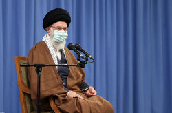 Leader calls for protecting Islamic Revolution's ideals