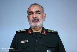 فرمانده کل سپاه درگذشت همسر دریادار «محتاج» را تسلیت گفت