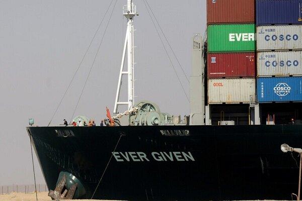 ورود کارشناسان فنی به کشتی «اور گیون» برای واکاوی حادثه