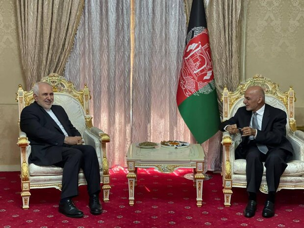 Zarif, Ghani discuss peace process in Afghanistan