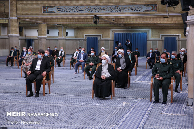 Leader's meeting with Yazd Martyrs National Congress members